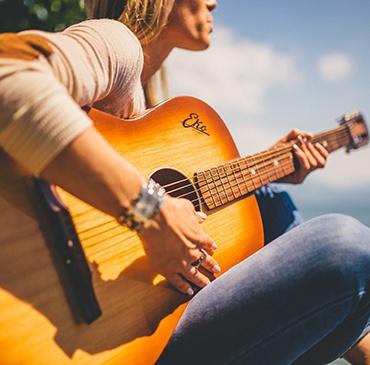 Apprendre l'anglais : un été musical en 6 chansons